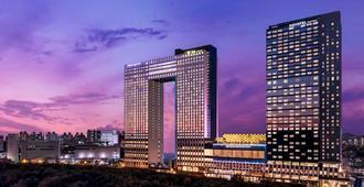 Novotel Suites Ambassador Seoul Yongsan - Seúl - Edificio