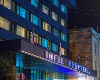 Hotel Frontera Plaza - Temuco - Building