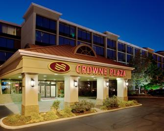 Crowne Plaza Cleveland Airport - Middleburg Heights - Edificio