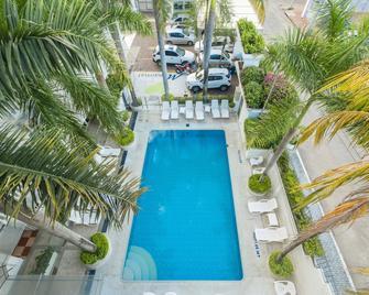 Hotel Manantial - Melgar - Zwembad