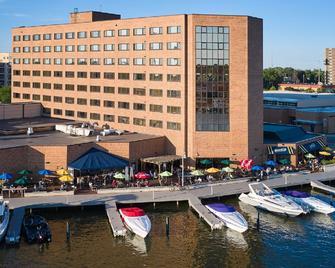 Best Western Premier Waterfront Hotel & Convention Center - Oshkosh - Ресторан