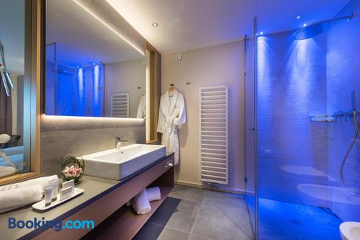 Hotel Fayn Garden Retreat - Lagundo - Bathroom