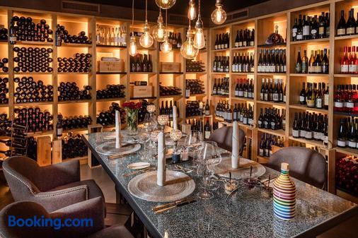 Hotel Fayn Garden Retreat - Lagundo - Bar