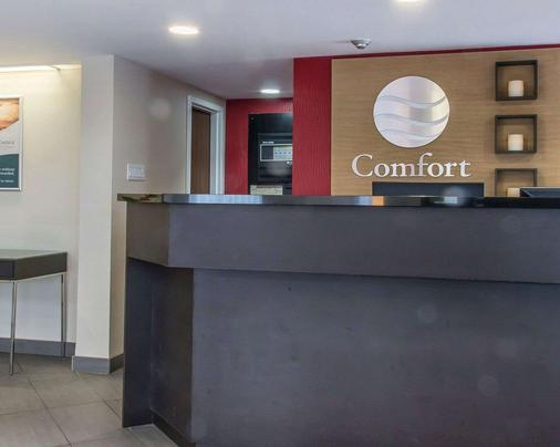 Comfort Inn - Thunder Bay - Front desk