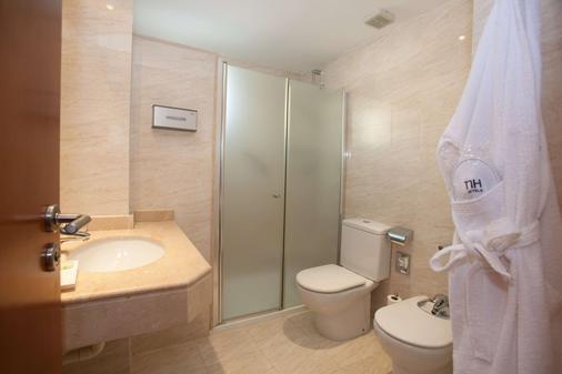 NH San Pedro de Alcántara - Marbella - Bathroom