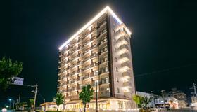 Hotel Miyahira - Ishigaki - Building