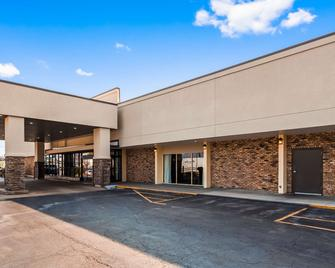 Best Western State Fair Inn - Sedalia - Edificio