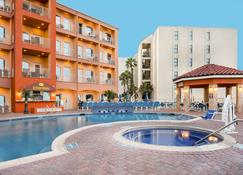La Copa Inn Beach Hotel - South Padre Island - Building