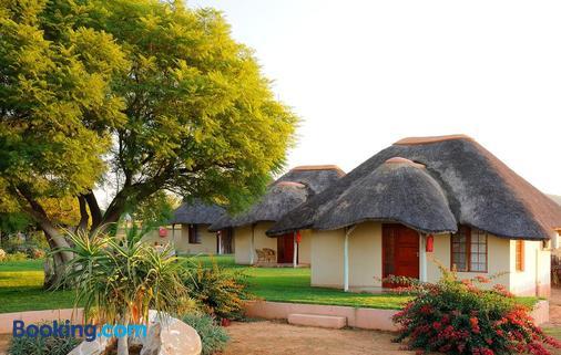 Frans Indongo Lodge - Otjiwarongo - Gebäude