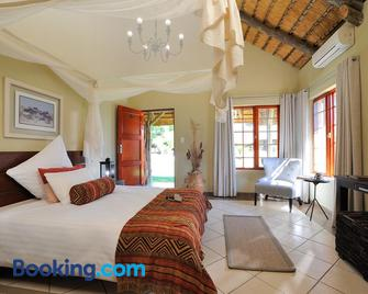 Frans Indongo Lodge - Otjiwarongo - Bedroom