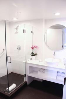 B Resort and Spa Located in Disney Springs Resort Area - Lake Buena Vista - Bathroom