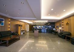 Jiuning Business Hotel - Tainan - Lobby