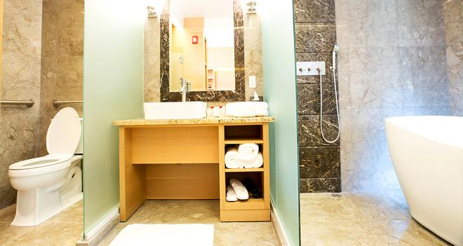 The One Boutique Hotel - Queens - Bathroom