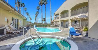Motel 6 Lodi, CA - Lodi - Pool