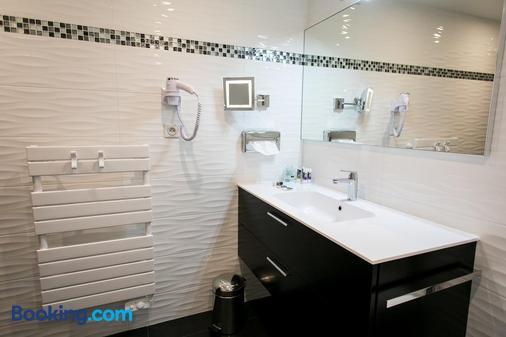 Hôtel Mercure Mont-Saint-Michel - Le Mont-Saint-Michel - Bathroom