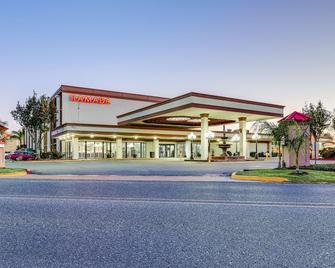 Ramada Metairie New Orleans Airport - Metairie - Building
