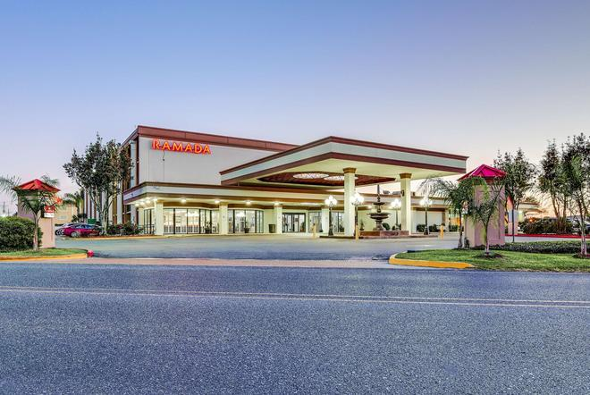 Ramada Metairie New Orleans Airport - Metairie - Rakennus