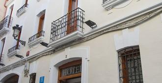Hotel Castilla - Cáceres - Edificio