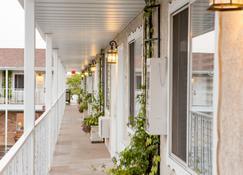 Chalet Motel - Saint George - Balcony