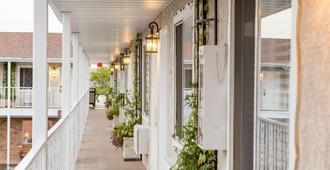 Chalet Motel - Saint George - Μπαλκόνι
