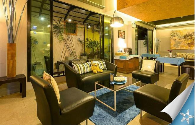 Sea Front Home - Patong - Lounge