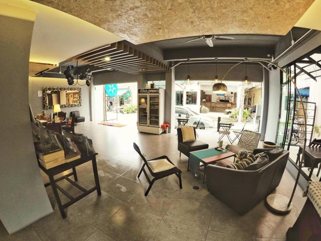 Sea Front Home - Patong - Lobby