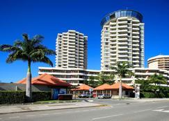 Ramada Hotel & Suites Noumea - Noumea - Bygning