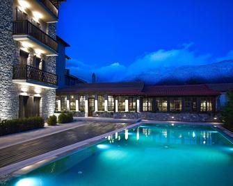 Art Mainalon Hotel - Vytina - Zwembad