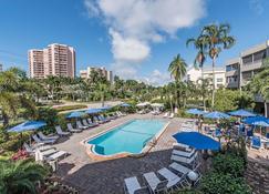 馬可海灘渡假套房酒店 - 馬可島 - 馬可島 - 游泳池