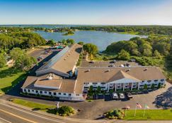 Bayside Resort Hotel - West Yarmouth - Будівля