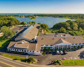 Bayside Resort Hotel - West Yarmouth - Gebouw