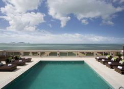 Royal Atlântica Macaé Hotel - Macaé - Πισίνα