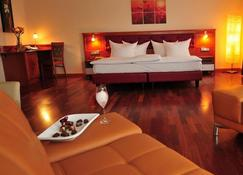 Hotel Santo - Karlsruhe - Phòng ngủ