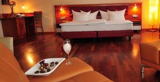 Hotel Santo - קרלסרוהה - חדר שינה