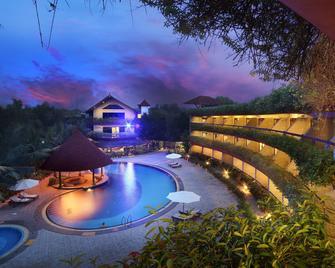Uday Suites - Thiruvananthapuram - Pool