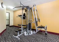Quality Inn & Suites Bloomington - Bloomington - Kuntosali