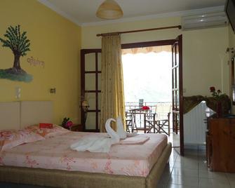 Almini Apartments - Sivota - Bedroom