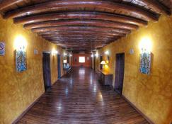 Hotel Posada St Cruz Creel - Creel - Building