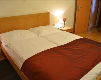 Hotel Tabor - Sezana - Bedroom