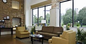 Sleep Inn & Suites Downtown Inner Harbor - בולטימור - סלון