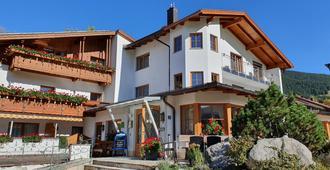 Hotel Arnika - Oberammergau - Κτίριο