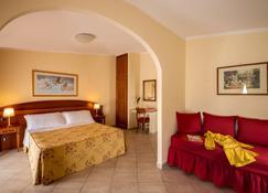 Marini Park Hotel - Castel di Leva - Bedroom