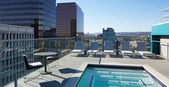 AC Hotel by Marriott Beverly Hills - Los Angeles - Pool
