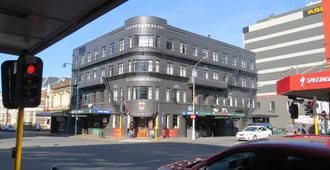 Law Courts Hotel - דנידין