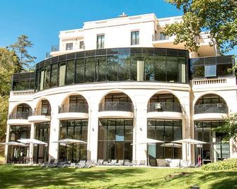 Pavillon De La Rotonde - Шарбоньєр-ле-Бен - Building