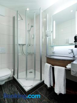 Hotel Barbarossa - Konstanz - Bathroom