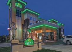 La Quinta Inn & Suites By Wyndham Wichita Falls - Msu Area - Wichita Falls - Rakennus