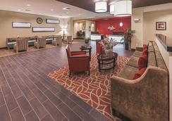 La Quinta Inn & Suites By Wyndham Wichita Falls - Msu Area - Wichita Falls - Hành lang