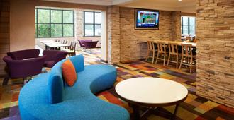 Fairfield Inn and Suites by Marriott Indianapolis East - Indianápolis - Lobby