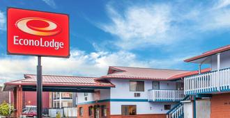 Econo Lodge - Everett